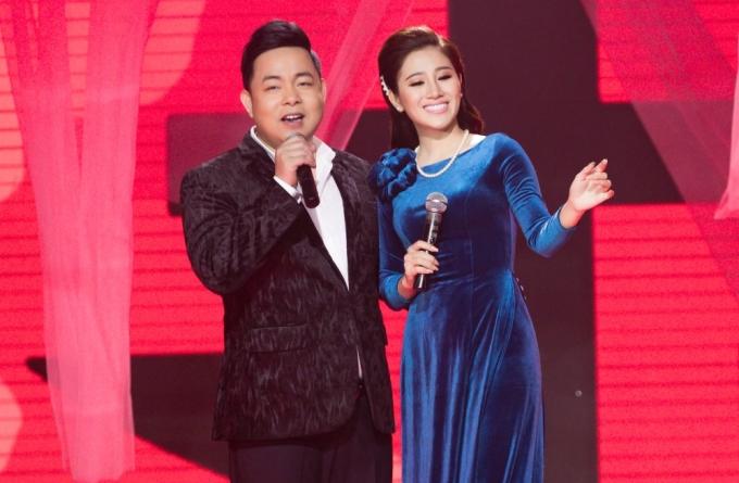 """<p> """"Quang Lê là người anh thân thiết của Tố My trong nghề. Anh đã giúp Tố My rất nhiều trong dự án lần này, từ việc song ca, tư vấn, biên tập bài hát. Anh còn truyền kiến thức, kinh nghiệm sản xuất, bản lĩnh sân khấu, xử lý một số ca khúc kinh điển"""", Tố My chia sẻ.</p>"""