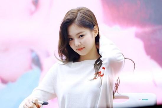 Jennie liên tục đứng đầu BXH.