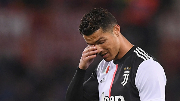 Ronaldo liên tục phủ nhận cáo buộc, cho rằng hai bên tự nguyện.