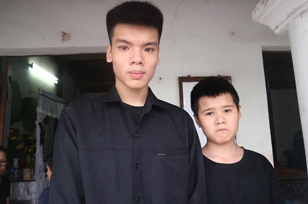 Nguyễn Đức Anh và em trai.