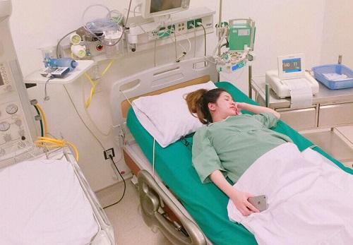 Tháng 3/2017, Hương Trần sinh con đầu lòng tại một bệnh viện ở Hà Nội. Con trai của cặp đôi có tên gọi thân mật ở nhà là Đậu, chào đời bằng phương pháp sinh mổ.