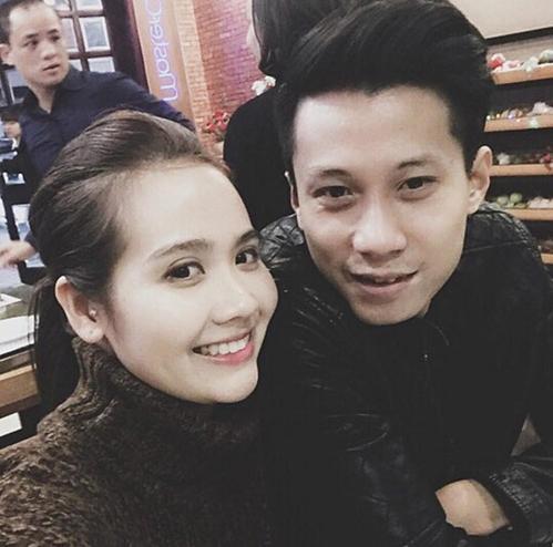 Huyền Lizzie mới đây vừa xác nhận với iOne, cô và ông xã Lynh Hoàng đã chia tay nhau sau gần 5 năm kết hôn. Cả hai hoàn tất thủ tục ly hôn vài tháng trước nhưng đã ly thân được gần hai năm, kể từ trước Tết Nguyên Đán 2018.