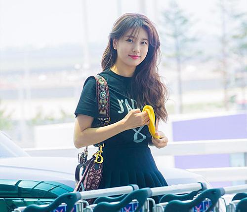 Sau khi rời JYP và nghỉ ngơi một thời gian, Suzy tăng cân đáng kể, khuôn mặt tròn ra trông thấy.