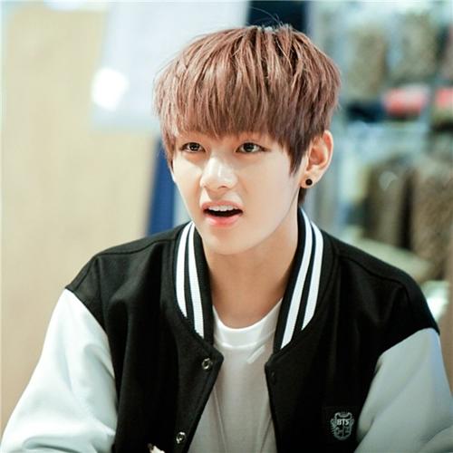 Các fan nhận xét, dù là cậu bé Tae Hyung nhí nhảnh đáng yêu...