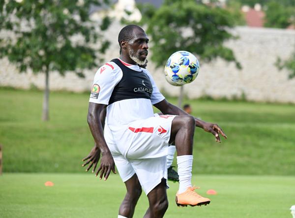 Cầu thủ Joash Onyango, 26 tuổi.