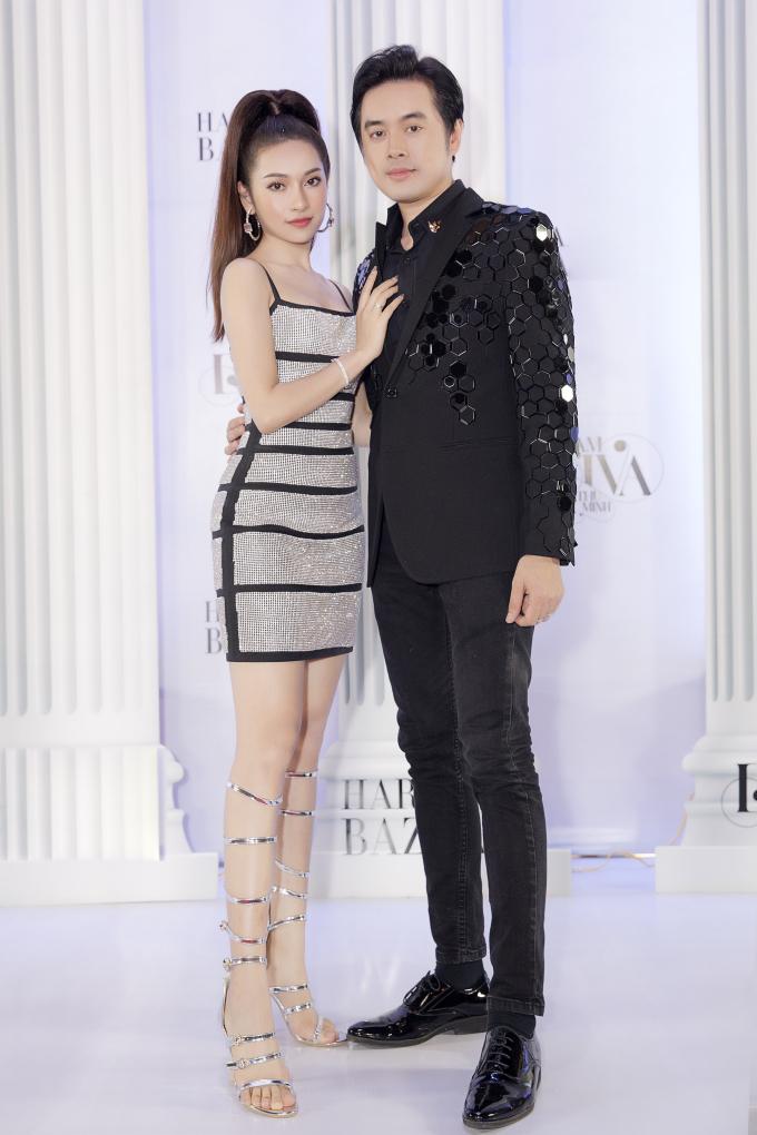 <p> Ngày 21/6, Sara Lưu cùng chồng tham dự một sự kiện của đồng nghiệp tại TP HCM. Họ vừa trở về sau kỳ trăng mật tại Phú Quốc. Cặp đôi làm đám cưới vào đầu tháng 6/2019.</p>