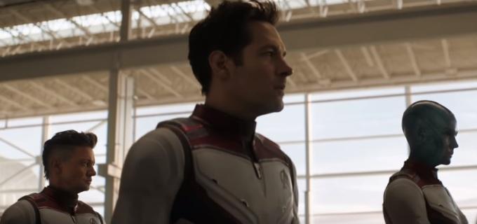 <p> Cảnh cả đội mặc bộ đồ lượng tử để du hành dòng thời gian không hề có bóng dáng của Hulk và Thor. Bằng cách này, nhà sản xuất đã giấu được diện mạo mới của hai nhân vật.</p>