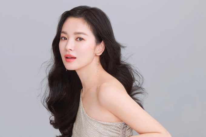 <p> Song Hye Kyo được các bác sĩ phẫu thuật thẩm mỹ khen ngợi vì tỉ lệ hoàn hảo trên khuôn mặt.</p>