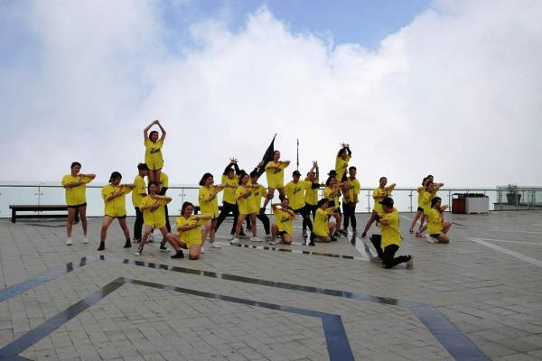 Nhiều màn tranh tài tại đêm chung kết Flashmob 2019