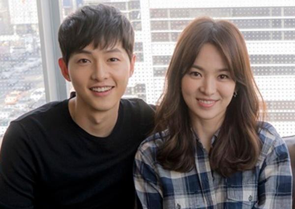 Tháng 11/2017, Song Joong Ki và Song Hye Kyo muangôi nhà 2 tầng ởItaewon để xây dựng tổ ấm. Đây là ngôi nhà có trị giá 10 tỷ won. Tuy nhiên, cặp đôi được cho là... chưa từng chuyển về sống tại Itaewon. Báo Hàn cho hay, kết hôn xong, Song Joong Ki chuyển về sống cùng Song Hye Kyo ở một căn hộ nằm trong khu Hannam-dong, Seoul. Tuy nhiên, nhiều tháng nay, cả hai đã sống ly thân.