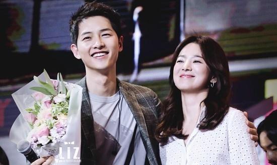 Cặp vợ chồng Song - Song tuyên bố ly hôn.