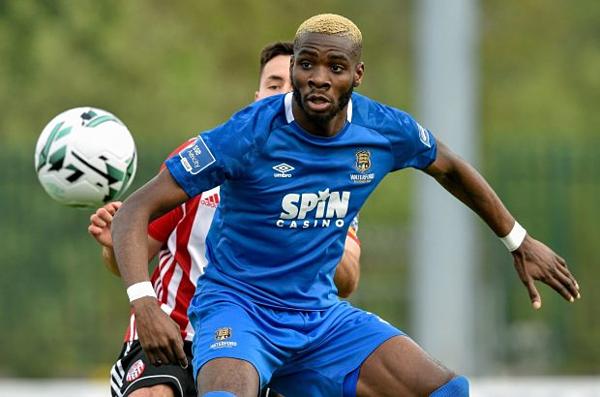 Akinade gia nhập đội bóngThành phố Hồ Chí Minh sau khi bị trục xuất khỏi Ireland. Ảnh: Sportsfile.