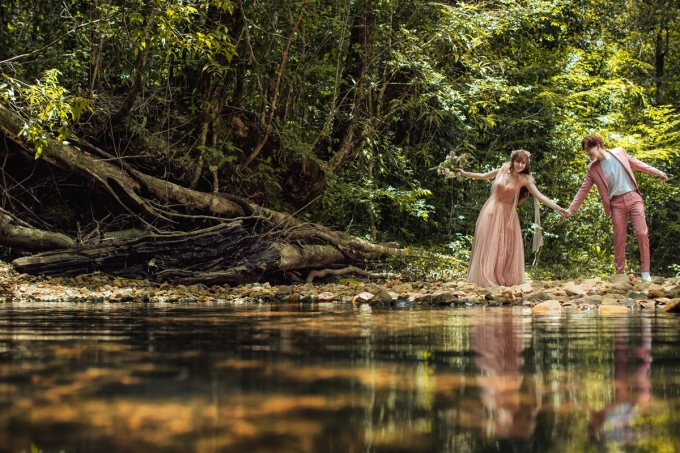 <p> Vốn yêu thích thiên nhiên nên cả hai quyết định chọn không gian trong lành, yên tĩnh để lưu lại những khoảnh khắc đẹp.</p>