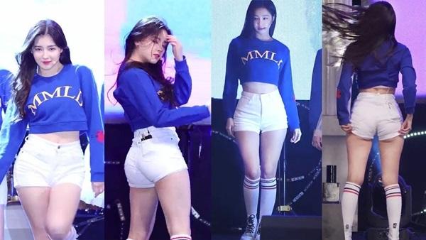 Trong khi các girlgroup Kpop sống chết không thể thiếu quần bảo hộ phía trong để tránh tối đa mọi tình huống hớ hênh thì Momoland lại vô tư diện quần ngắn cũn nhảy nhót.