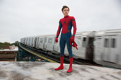 Nam diễn viên Tom Holland đóng vai Spider Man của Marvel.
