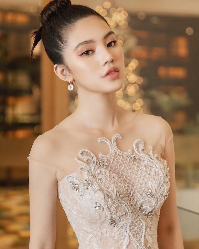 <p> ... và Jolie Nguyễn tỏa sáng.</p>