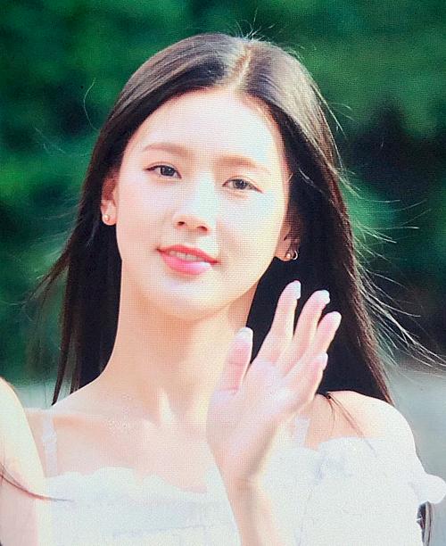 ...và Mi Yeon là hai thành viên nữ tính nhất (G)I-DLE.