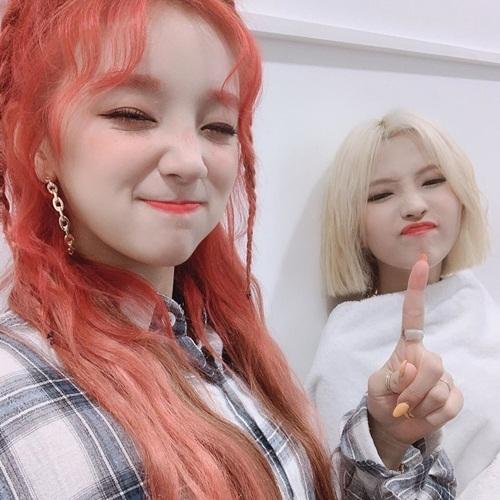 Yu Qi và So Yeon (G)I-DLE