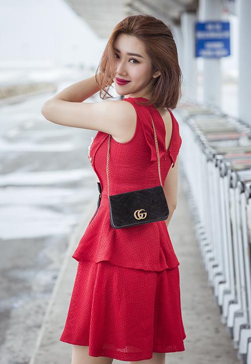 Thúy Ngân được đông đảo khán giả biết đến qua vai diễn Hân trong bộ phim Gạo nếp gạo tẻ, từng giúp cô đoạt giải thưởng Mai Vàng hạng mục Nữ diễn viên Điện ảnh Truyền hình được yêu thích. Hiện tại, Thúy Ngân góp mặt trong dự án web drama