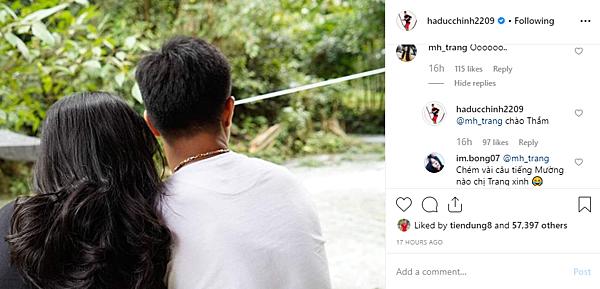 Đức Chinh lần đầu đăng ảnh bạn gái lên trang cá nhân.