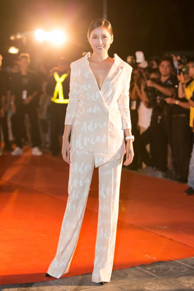 <p> Hoa hậu Mai Phương Thúy trong ban giám khảo của cuộc thi.</p>
