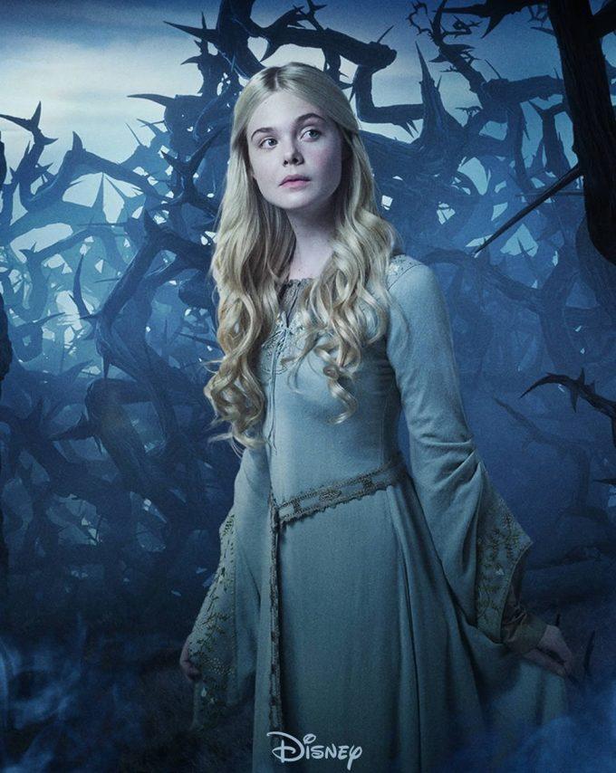 """<p> Elle Fanning được xem như nàng """"công chúa ngủ trong rừng"""" Aurora chuẩn mực với mái tóc vàng, làn da trắng như tuyết và vẻ đẹp mơ màng. Ngay khi vừa xuất hiện trong <em>Maleficent</em>, dù chỉ đóng vai phụ, Elle Fanning đã nhanh chóng chiếm được tình cảm của khán giả.</p>"""