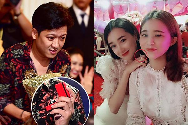 Hồi đầu năm 2018, Trường Giang từng gây sóng gió khi lên sân khấu lễ trao giải Mai Vàng và cầu hôn Nhã Phương. Chiếc nhẫn kim cương nổi bật khá lâu sau đó mới được nữ diễn viên sử dụng.