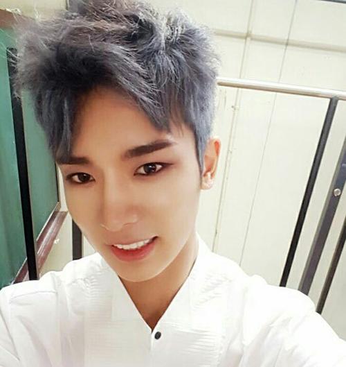 Nhận dạng idol Hàn với mái tóc xám khói (2) - 7