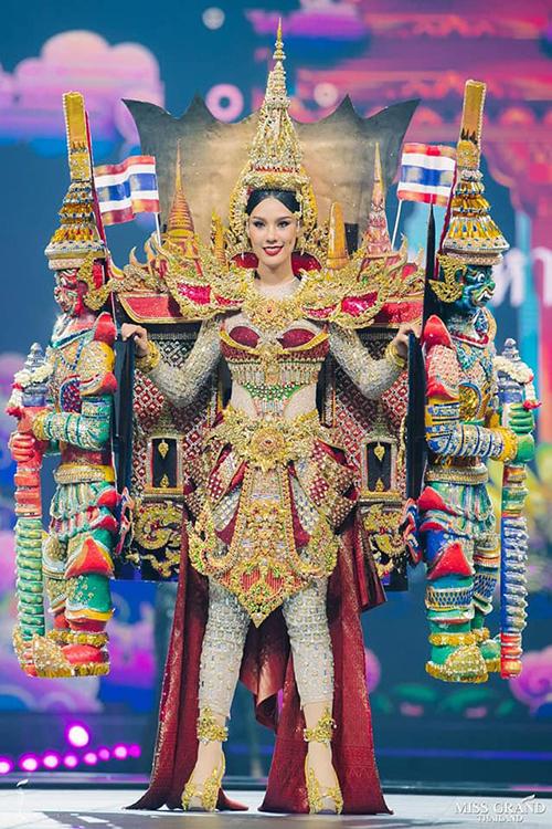Trang phục dân tộc độc đáo của thí sinh Miss Grand Thailand 2019 - 7