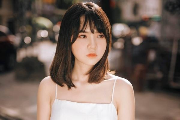 Vẻ xinh xắn của Lan Hương.