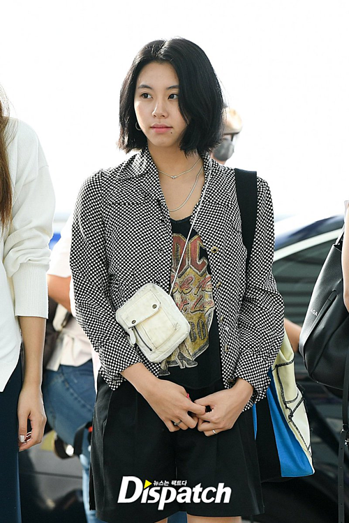 BTS Twice IZONE sân bay - 10