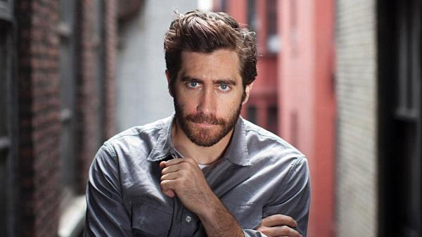 Jake Gyllenhaal được khen vừa đẹp trai vừa diễn xuất tốt.