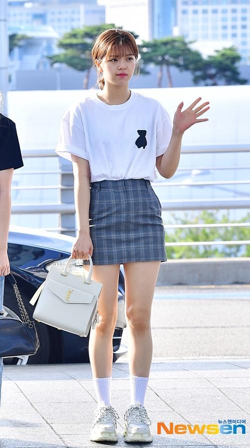 BTS Twice IZONE sân bay - 15