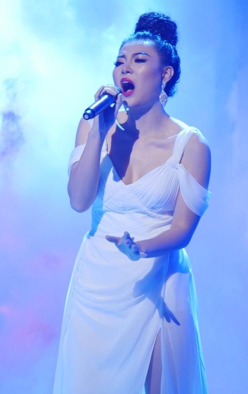 Thanh Hương trong đêm chung kết.