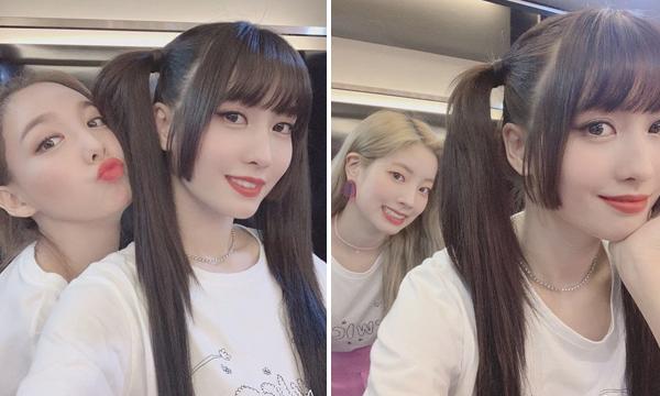 Momo bị Na Yeon và Da Hyun thay phiên quấy rối khi chụp selfie trong hậu trường concert ở Singapore.