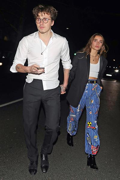 Brookyn Beckham và bạn Hana Cross thuở mới hẹn hò.