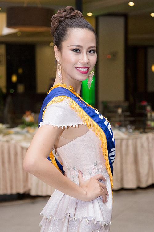Với thành tích thi thố, Yến Nhi là một thí sinh mạnh trong cuộc thi năm nay. Tuy nhiên tuổi 27 của cô là một bất lợi.