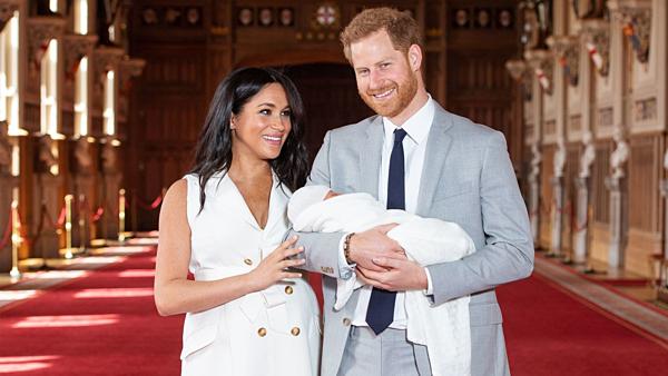 Hoàng tử Harry và Meghan Markle.