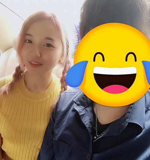 Cặp đôi Xu - Liu bén duyên sau khi đi máy bay.