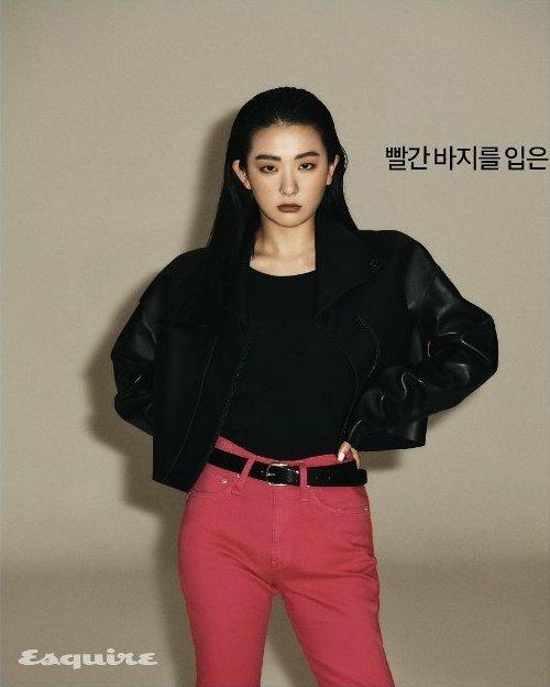 Seul Gi (Red Velvet) phù hợp với những concept girl-crush mạnh mẽ.
