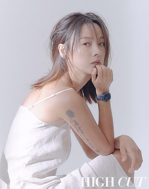 Ở tuổi 40, nhan sắc Lee Hyo Ri vẫn khiến netizen trầm trồ.