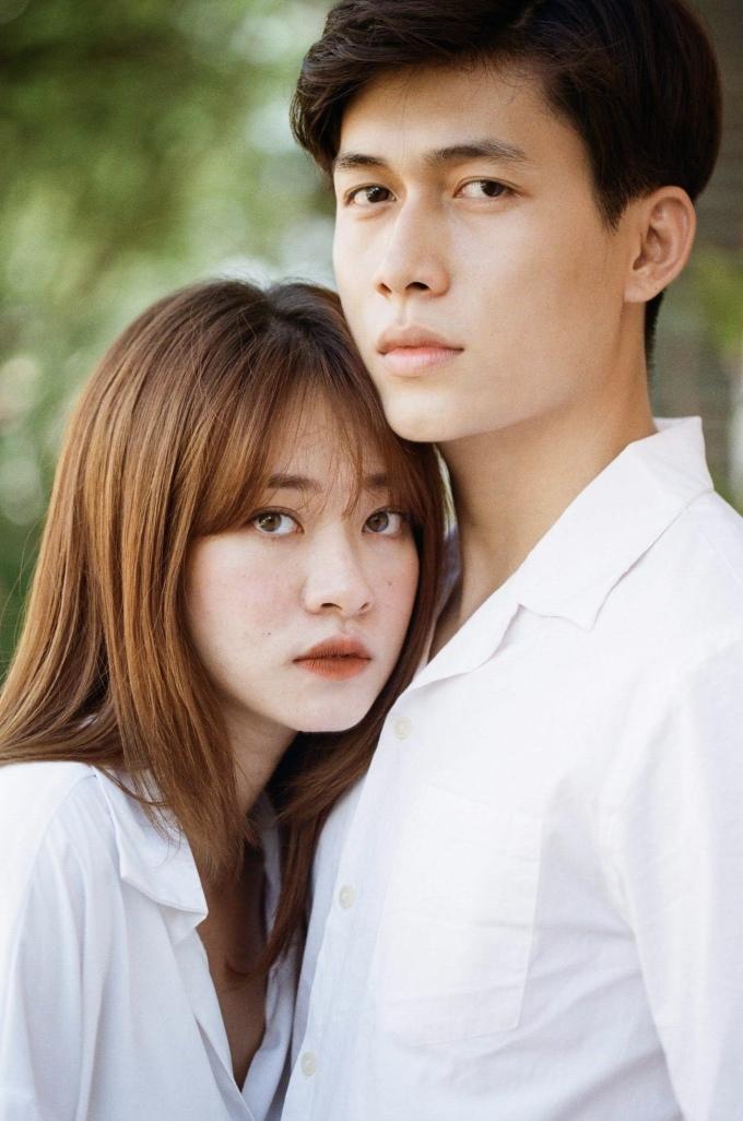<p> Trương Hoàng Mai Anh - Lu Do chụp bộ ảnh trong một khu chung cư cũ ở Sài Gòn, tạo hình nhân vật khiến người xem liên tưởng đến một mối tình thanh xuân ngọt ngào.</p>