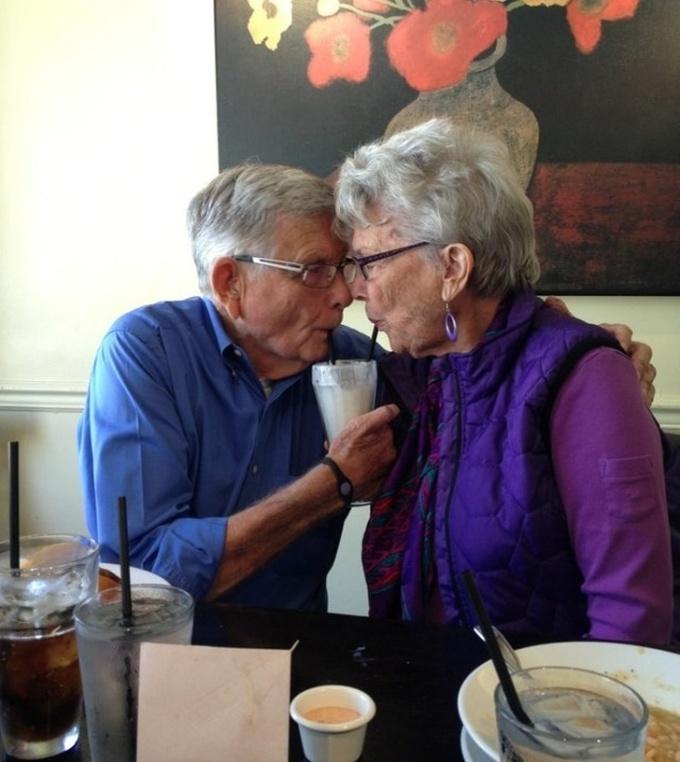 <p> Tình yêu chưa bao giờ bị quy định hay giới hạn bởi tuổi tác.</p>