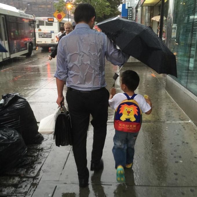 <p> Tình yêu của người cha dành cho đứa con trai bé bỏng.</p>