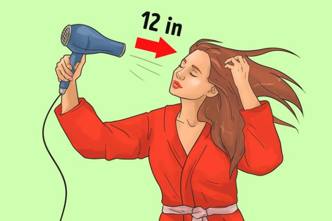 <p> <strong>4. Giữ máy sấy quá gần đầu</strong><br /> Nếu giữ máy sấy tóc gần đầu, bạn không chỉ làm cho tóc dễ gãy hơn mà còn có thể làm bỏng da đầu. 30cm là khoảng cách vừa đủ giữa máy sấy tóc với đầu của bạn. Bạn có thể ước lượng bằng cách giữ máy sấy ở khoảng cách từ khuỷu tay đến cổ.</p>