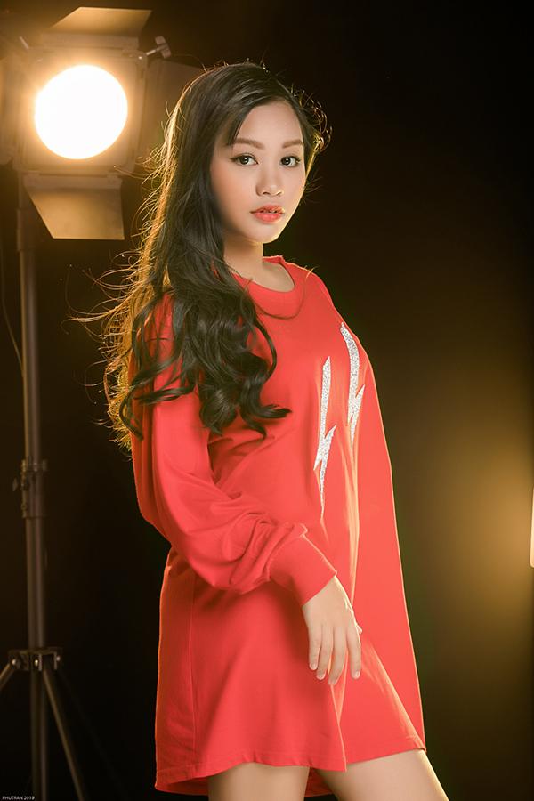 <p> Khánh Ngọc tham gia The Voice Kids 2019 với mục đích học hỏi, giao lưu, trước khi cho ra mắt các sản phẩm âm nhạc chuyên nghiệp thời gian tới.</p>