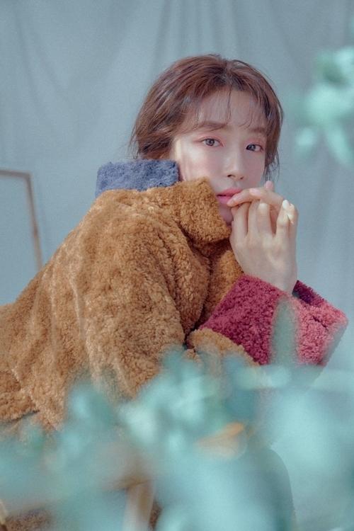 Biểu cảm gương mặt đa dạng cùng visual bắt mắt, Chae Ji An đang là tên tuổi được nhiều nhãn hàng săn đón. Cô liên tục xuất hiện trong các đoạn CF dài 30 giây trên truyền hình.
