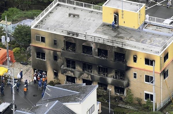 Nạn nhân trở thành đuốc sống vì cấu trúc tòa nhà, không có sẵn thiết bị sơ tán