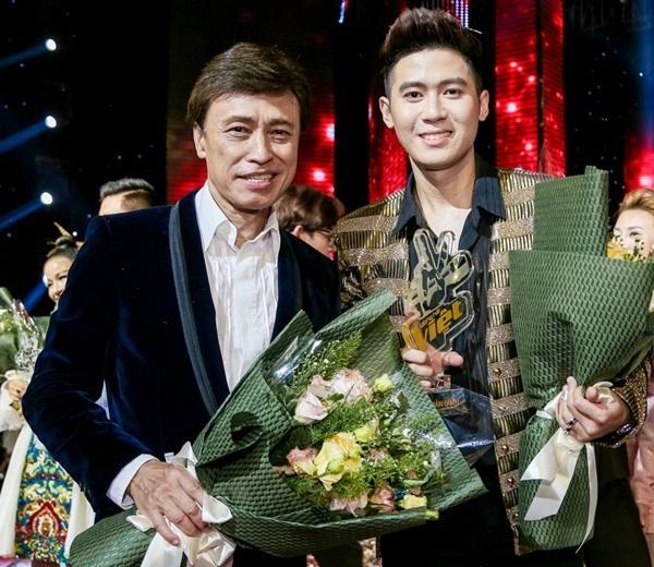 Hoàng Đức Thịnh giành Quán quân Giọng hát Việt 2019.