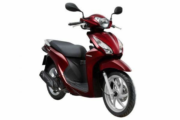 Chiếc Vision 110cc màu đỏ bóng.